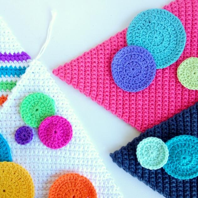 triangle-crochet-cushion